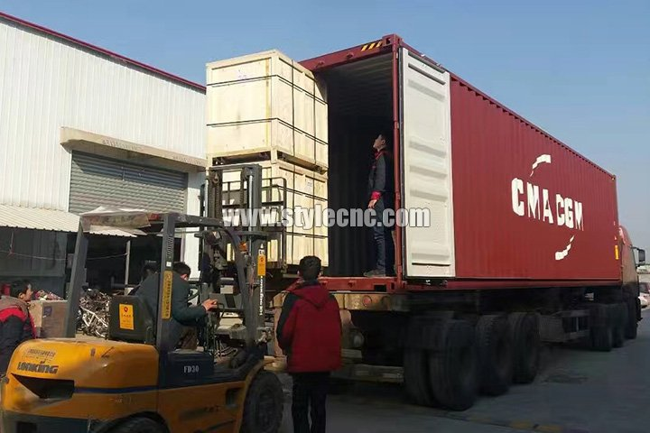 Packages and delivery of 100W CO2 Laser Wood Cutter