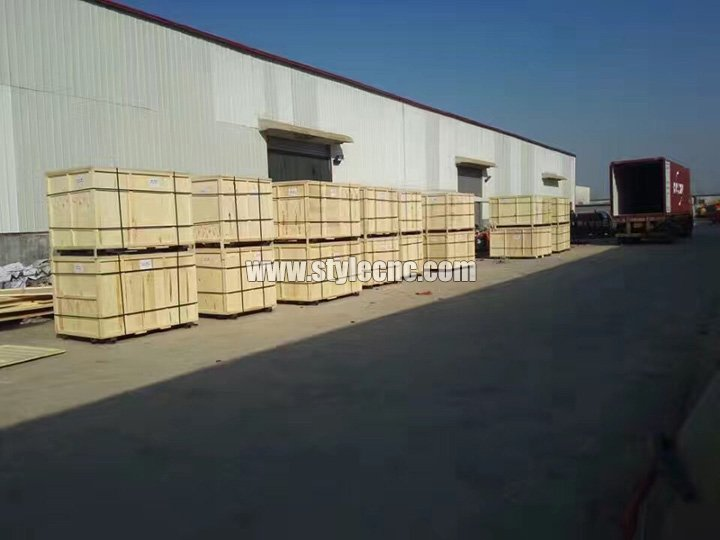 Packages and delivery of 100W CO2 Laser Wood Cutting Machine