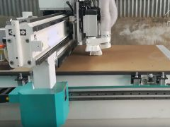 Economical ATC CNC router for woodworking with pneumatic tool changer