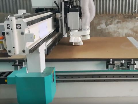 Economical ATC woodworking CNC router with pneumatic tool changer