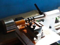 STL3080 Small wood lathe turning wooden beads