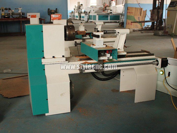 Mini CNC wood lathe for wood turning
