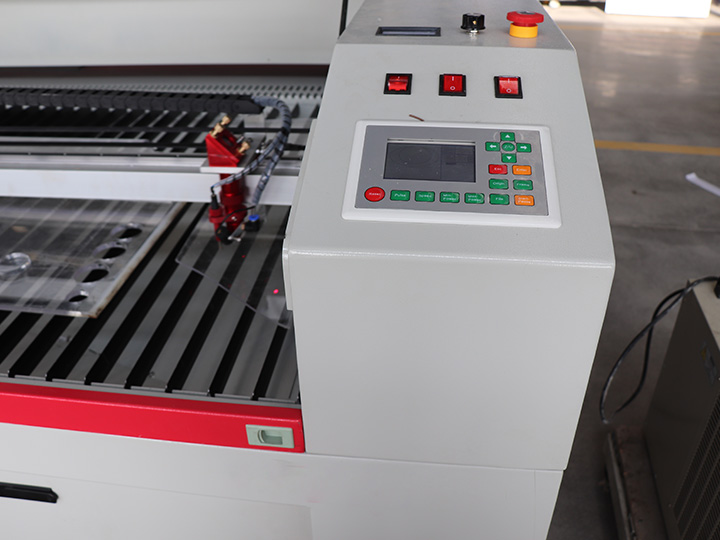 The Second Picture of 100W Laser Wood Cutting Machine for Sale with CO2 Laser Source