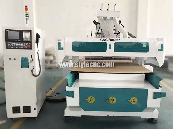 The Second Picture of Nesting CNC Router Machine with Gang Drilling and 2 Spindles