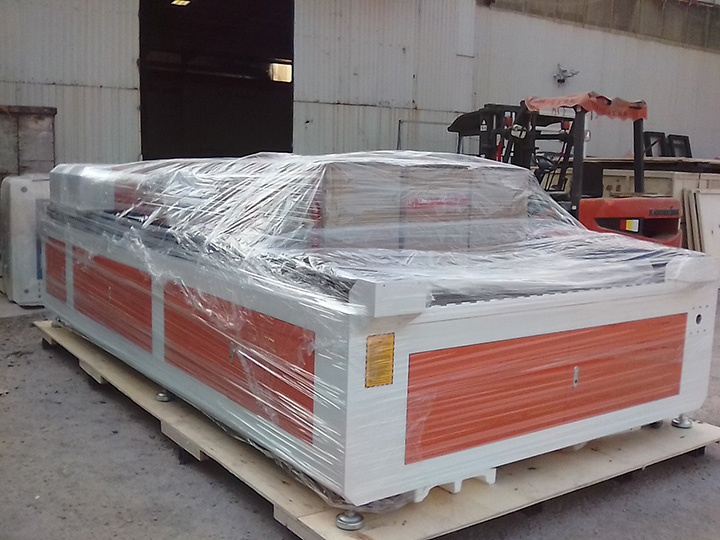150W laser cutting machine with four laser cutting heads delivered to the USA