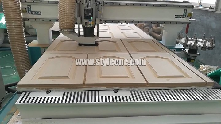 Automatic tool changer CNC Router for cabinet door making with carousel ATC system & Automatic tool changer CNC Router for cabinet door making with ...