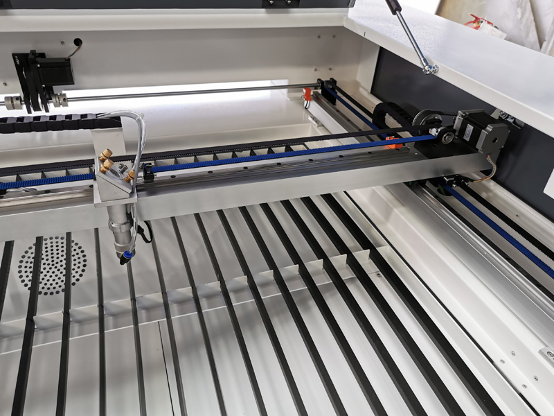 laser cutting head