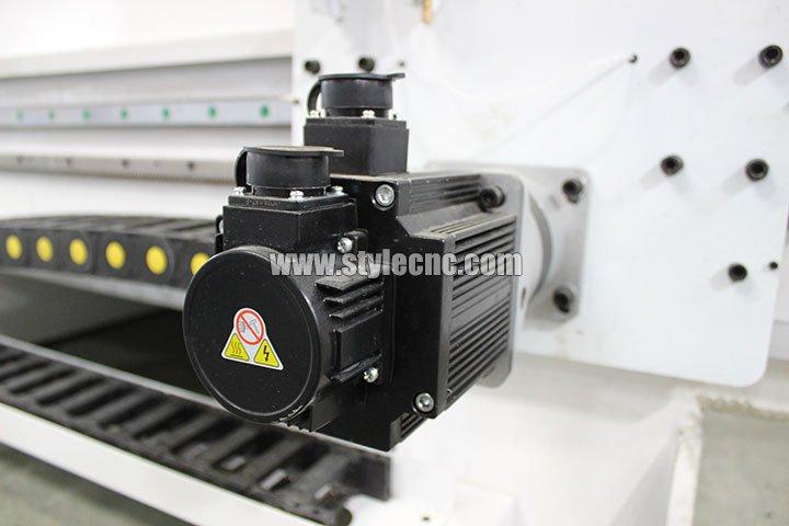YASKAWA servo motor of Stone CNC Machine Center