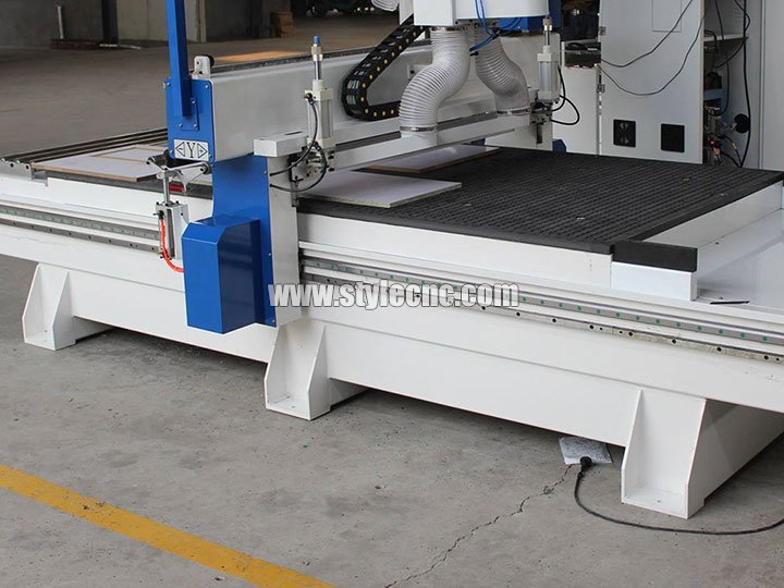 Hiwin guide rail of 3 Axis CNC Router with Three Spindles