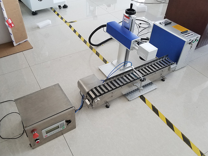 The First Picture of Pen Laser Engraving/Marking Machine with Conveyor Belt