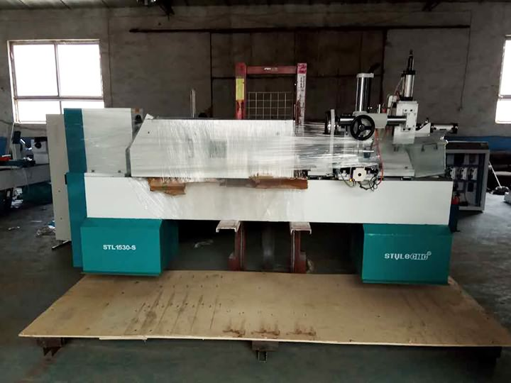 New CNC wood lathe is ready for delivery to Romania