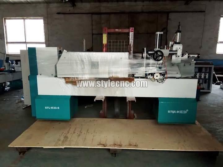 Romania CNC wood lathe STL1530-S