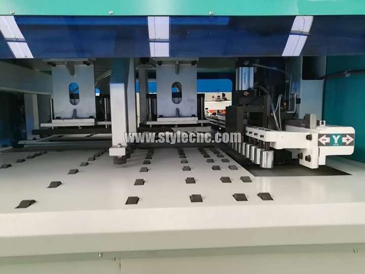 The Third Picture of Automatic CNC Drilling and Grooving Machine