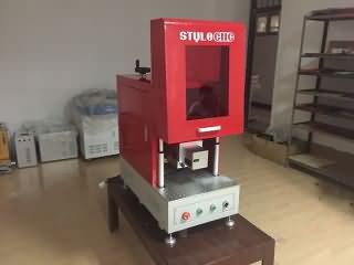 Fiber laser marking machine with protection cover will delivery to Spain
