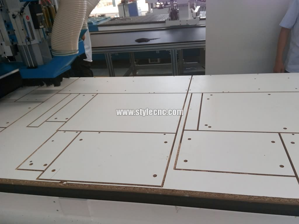 Automatic nesting, slotting, cutting, drilling and grooving for full intelligent CNC router