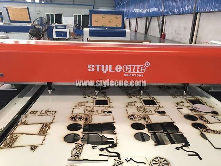 four laser cutting heads