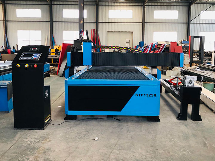 CNC plasma cutting table with rotary device