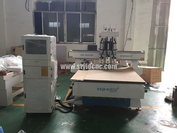 3 heads CNC router machine