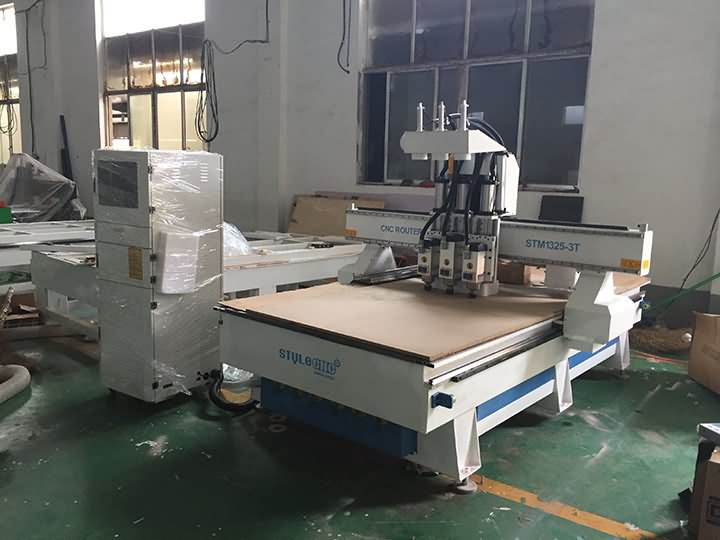 3 heads CNC router machine delivery to Morocco