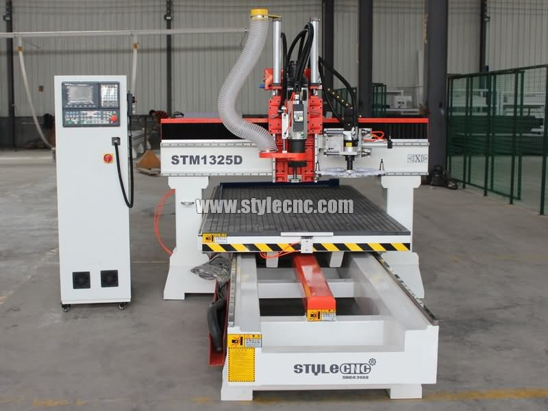 Moving table CNC router