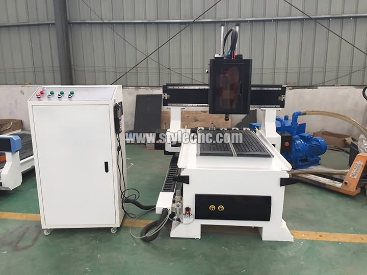 The First Picture of Small CNC router 6090 with ATC system