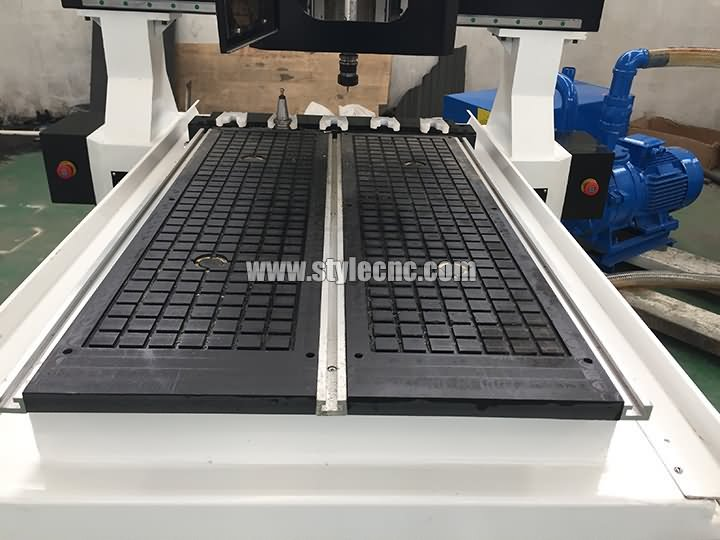 The Third Picture of Small CNC router 6090 with ATC system