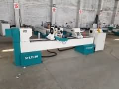 Big size CNC wood lathe with spindle for carving