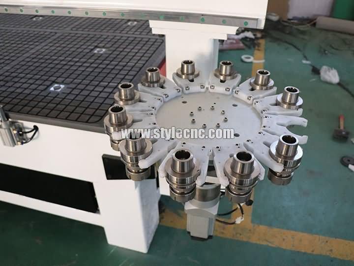 Carousel ATC CNC machining center