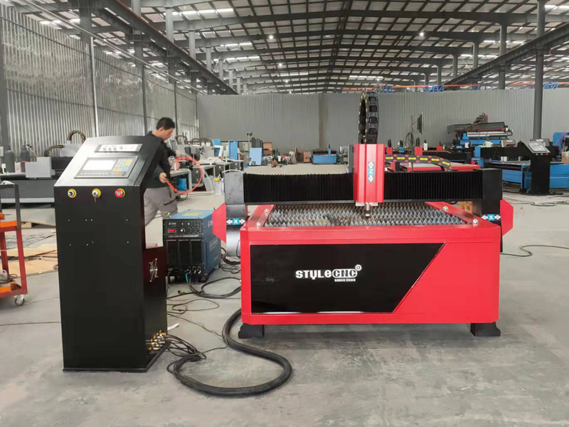 New design CNC plasma cutter with 100A power supply