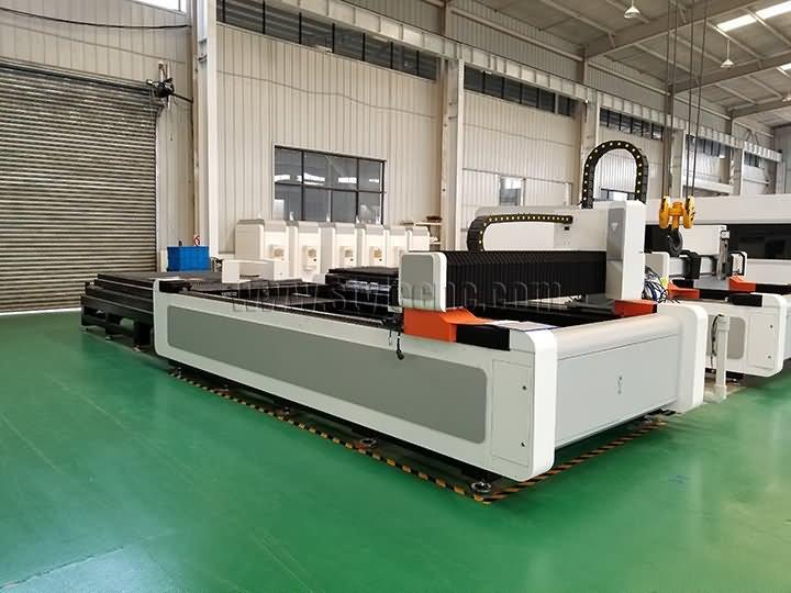 1000 watts fiber laser cutter