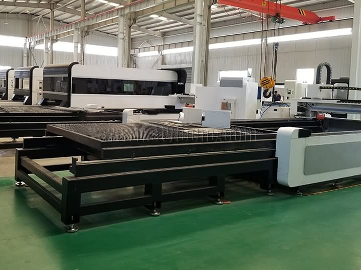 fiber laser cutter with exchange table
