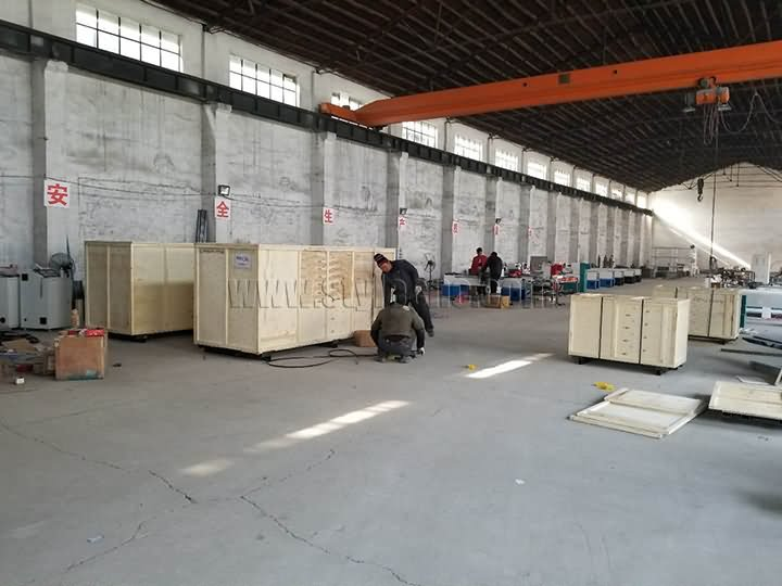 Packages of CNC Wood Lathe Machine