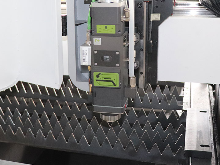 Swiss Raytool fiber laser cutting head