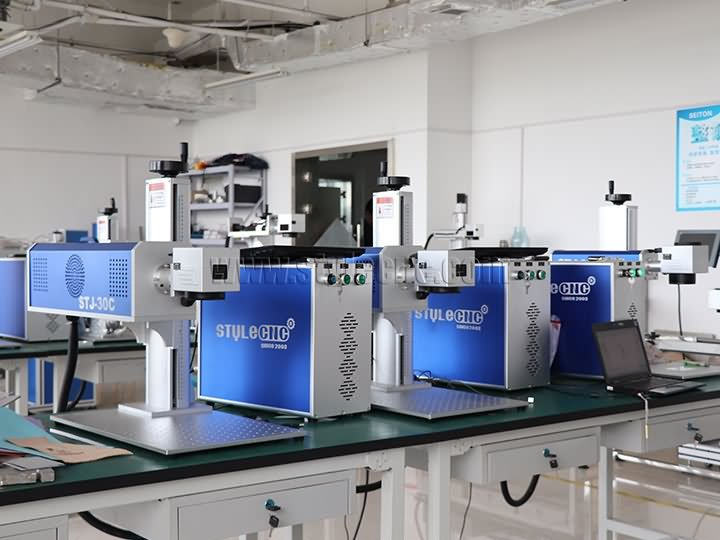 3 sets laser marking machine for clients in Philippines