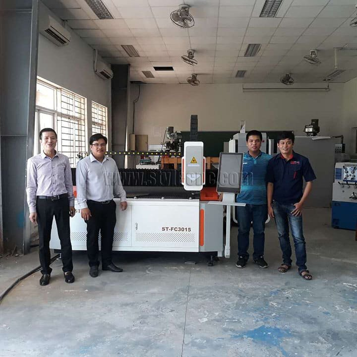 fiber laser metal cutting machine for school education in Vietnam