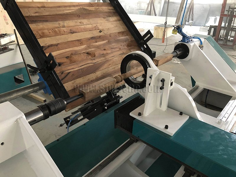 Automatic CNC Wood Turning Lathe