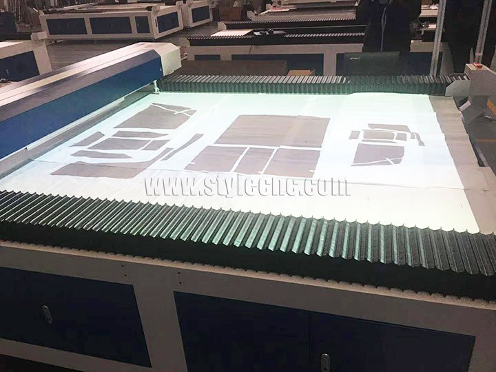 Laser cutting machine projector
