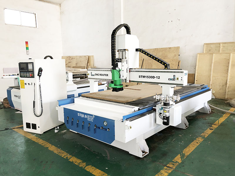 STM1530D ATC CNC Router with Tool Magazine of 12 Cutters for Canada Customer