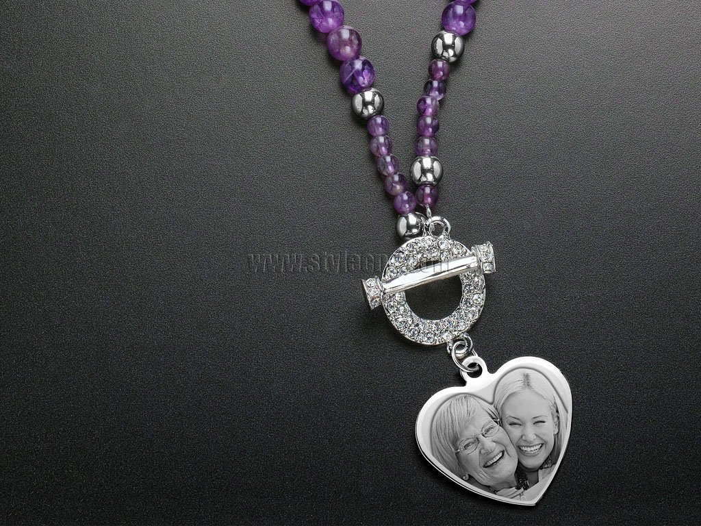 Laser Engraver for Photo Engraving Heart Iris Beaded Necklace