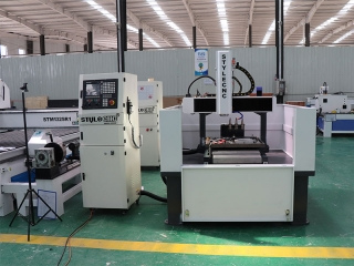 2 Sets of CNC Milling Machine with Automatic Tool Changer for Metal Fabrication in Vietnam