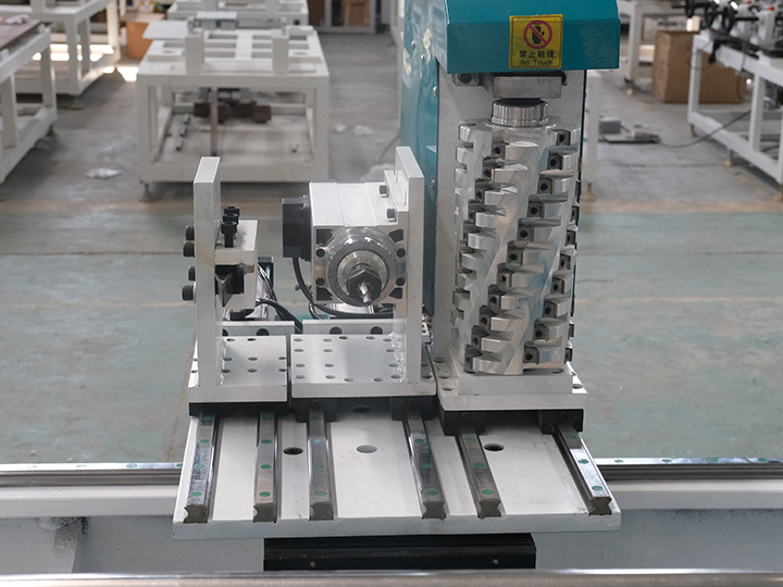 Three independently controlled cutting tools