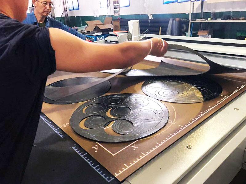 Flatbed Digital Graphite Sheet Cutting Machine