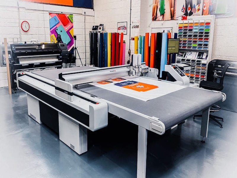 Digital Flatbed Cutter for Printing, Advertising, Marketing